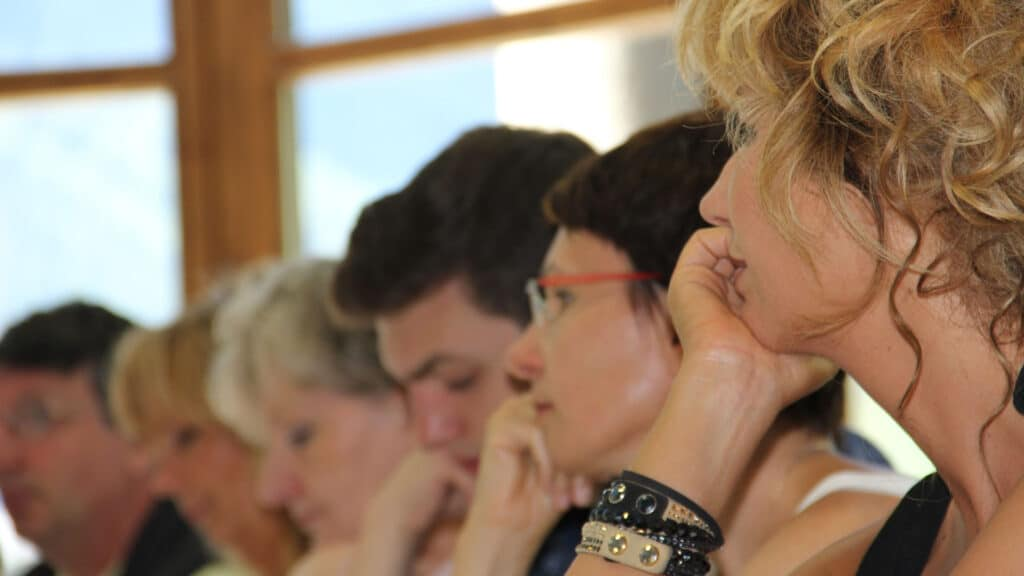 Participants à une Formation PNL en été dans la région de Savoie